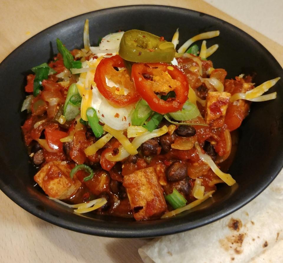 chili con tofu vegan guajillo chile black bean