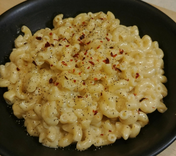 mac & cheese cheddar goud stovetop simple cooking
